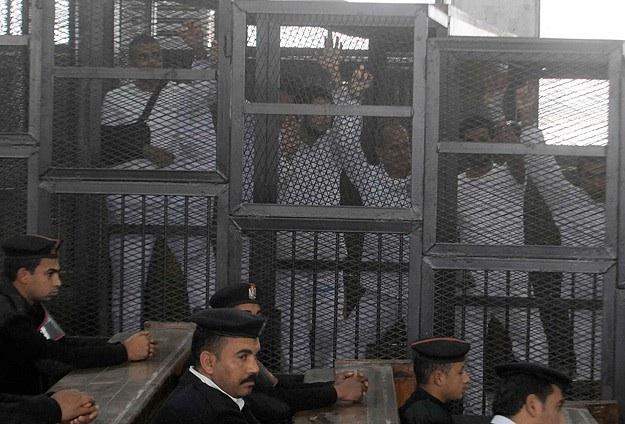 Mısır'da darbe karşıtlarına 10'ar yıl hapis