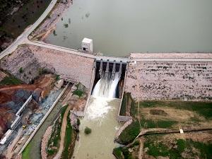 225 milyon liralık sulama barajını sanayi atıkları kirletiyor
