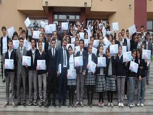 501 öğrenciye tablet dağıtıldı