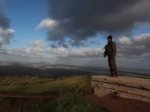 İsrail Suriye sınırını askeri bölge ilan etti