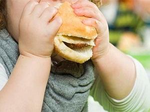 Obez çocuklar, yetişkinlikte de obez oluyor