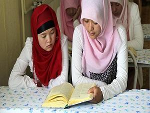 Kur'an tahsili için Çin'den geldiler