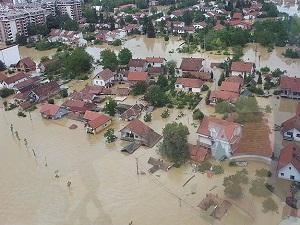 Bosna Hersek'in üçte biri sular altında