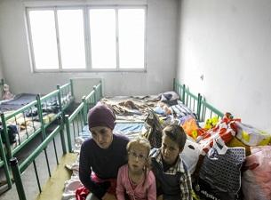 Bosna Hersek için 100 tır mobilya