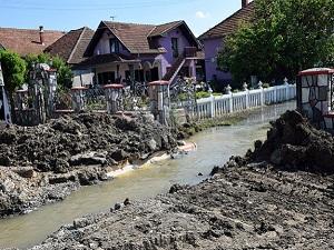 Sel felaketinde hayatını kaybedenlerin sayısı artıyor