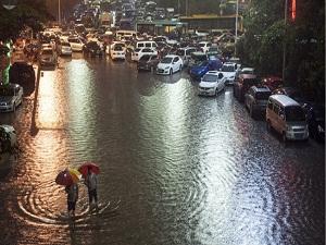Çin'de sel nedeniyle 19 ölü