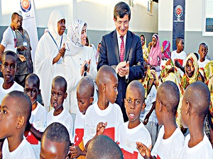 Tanzanya'daki yetimlere TİKA'dan yardım eli