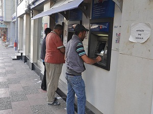 Soma'da maaşlar yattı