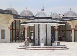 Kuba Camii Sultanahmet'i aratmayacak