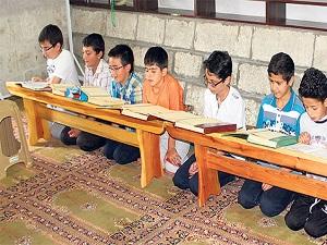 Karneyi alan çocuklar Kur'an kurslarına koştu