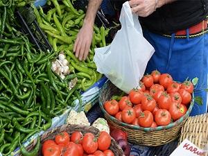 Sıcak havalarda pazardan meyve ve sebze dışında bir şey almayın!