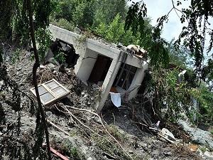 Nepal'deki toprak kaymasında 100'den fazla kayıp var