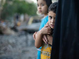 Dünya çocukları, Gazzeli kardeşlerinin yanında