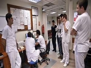 Sağlık önlisans mezunlarına lisans hakkı