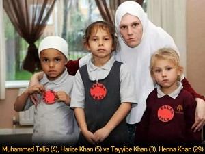 Çocuklarına 'sadece helal' rozeti taktı