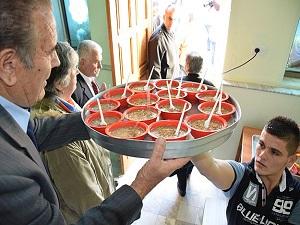 TİKA Arnavutluk'ta aşure dağıttı