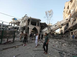 İsrail'in yıktığı camileri Diyanet yapacak