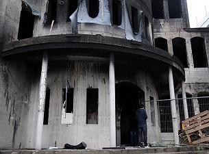 Berlin'de camiye taşlı saldırı