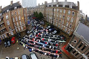 İngiltere'de Müslümanlar en dezavantajlı grup