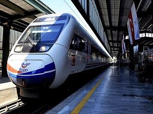 İstanbul'dan trene binen 6 saatte Sivas'ta olacak