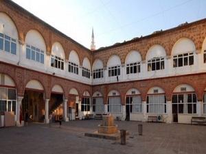 700'e aşkın tarihi eseri Türkiye'ye getirildi