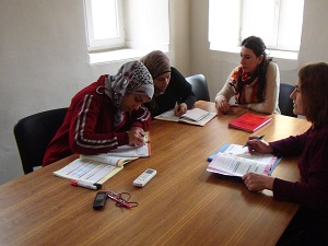 Savaş mağdurlarına tercüman olmak için Türkçe öğrendi