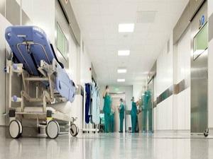 Şehir hastanelerinin önünde engel kalmadı