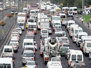 2014'te fazladan 438 saati trafikte geçirdik