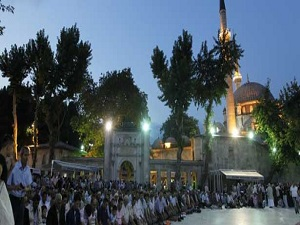 Osmanlı'da Mevlid Kandili resmi tatildi