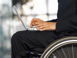 Bakan İslam: Engelli personel alacağız