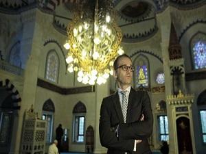 Alman Bakan, camiden 'barış' mesajı verdi