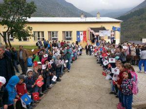 Kosova Planjane'deki Boşnak Okuluna Isıtma Sistemi Desteği Verildi