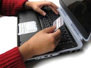İnternetten kartla harcama katlanarak artıyor