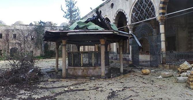 Siviller namaz kılacak cami bulamıyor