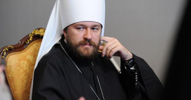 Rus Rahip: Başörtüsü takmak Müslüman kadının hakkı
