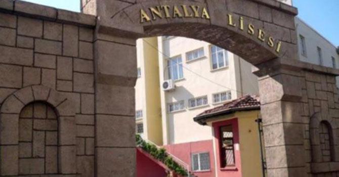 Cumhuriyet Gazetesi'nin 'keyfi' Cuma namazı rahatsızlığı