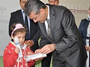 Elbistan'da 6 Bin Öğrenciye Diş Macunu ve Fırçası Dağıtıldı