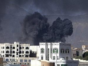Yemen'de devrik Cumhurbaşkanı'nın oğlunun evi vuruldu