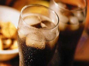 Diyet içecekler göbek yağlanmasını artırıyor