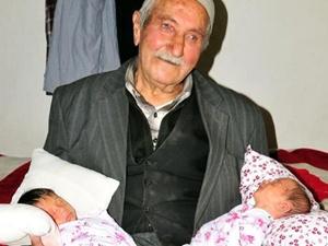 85 yaşında ikizleri oldu!