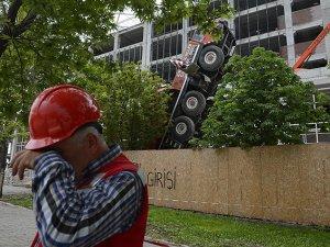 YHT Ankara Garı inşaatında vinç kazası