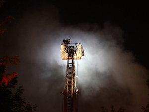Karton imalathanesinde yangın