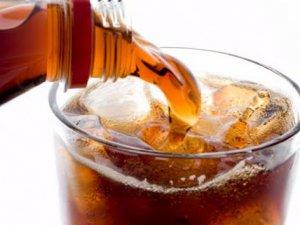 İftar sofrasında gazlı içecek içilir mi?