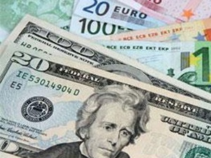 25 Ağustos 2015 dolar ve euro ne kadar?