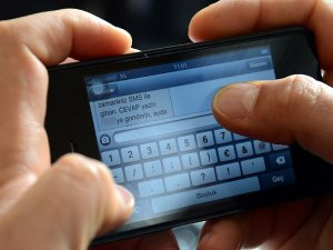 """İşte """"İstenmeyen SMS"""" konusunda haklarınız"""