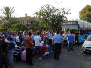 Antalya-Ankara yolunu trafiğe kapattılar