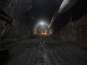 Kop Tüneli'nde ışığa doğru yolculuk sürüyor