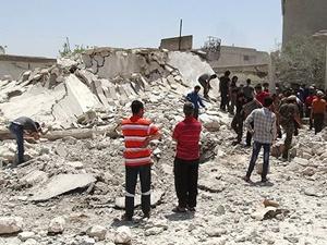 Bombaların altında Ramazan