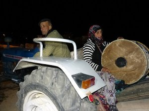 Gölpazarı'nda vatandaşları sahura kadın davulcu kaldırıyor