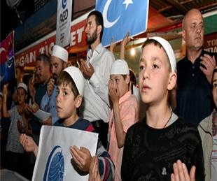AGD'den Doğu Türkistan için dua ve protesto!